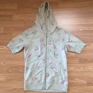 Maurice's short sleeve gray floral hoodie